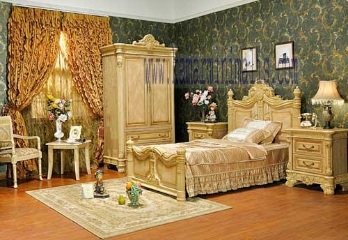 set tempat tidur koleksi ruangan